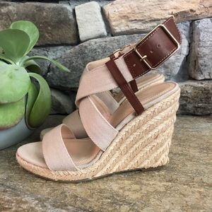 Sz7 Banana Republic Canvas Wedges